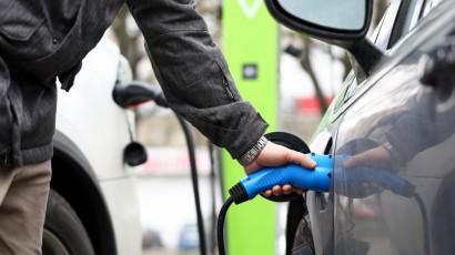 Stane sa materiál grafén budúcnosťou elektrických automobilov?