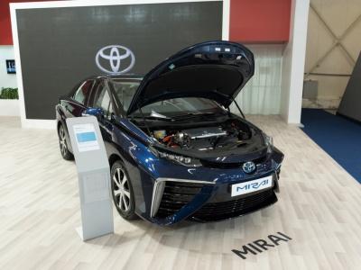 Toyota Mirai - prvé sériovo vyrábané auto na vodík