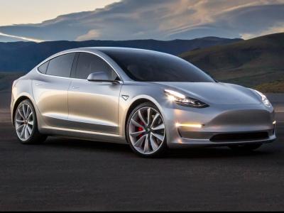 Tesla predstavila cenovo dostupný elektromobil