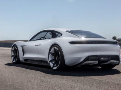 Len nedávno vyvinuli v Porsche vlastný elektromobil